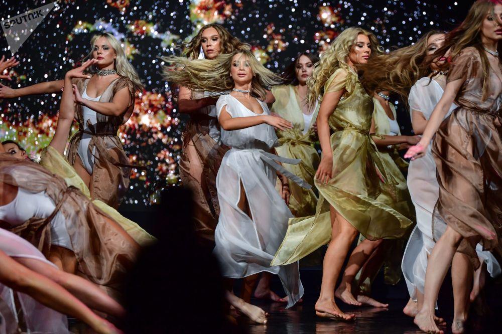 「2021莫斯科小姐」選美大賽在莫斯科Et Cetera劇院舉行