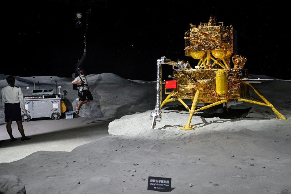 上海天文館的月球模型