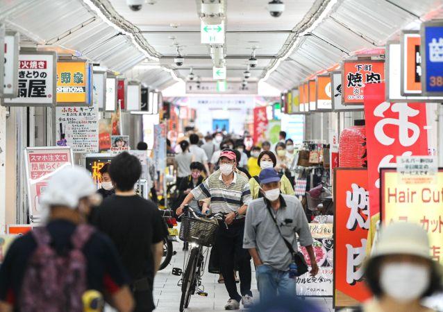 日本拟在疫情急速扩大地区实施新冠非重症患者居家疗养措施