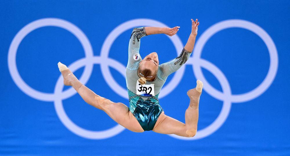 俄運動員梅利尼科娃贏得東京奧運會自由體操銅牌