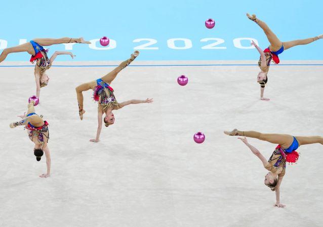 俄羅斯藝術體操隊獲得奧運會團體全能銀牌