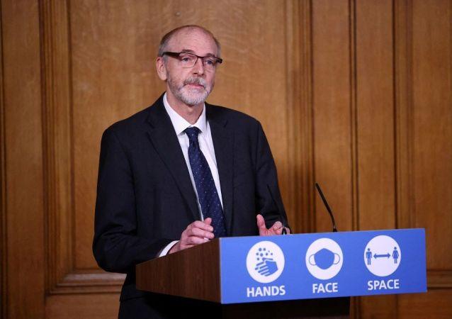 牛津-阿斯利康疫苗研發小組負責人、牛津大學教授波拉德