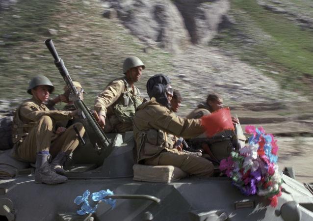 从阿富汗撤离的苏联军队
