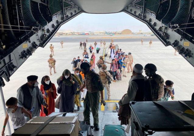 美国防部:约200名撤离的阿富汗公民引起美国政府的怀疑