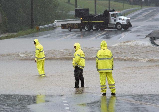 美媒:美国田纳西州洪灾造成10人死亡 约40人下落不明