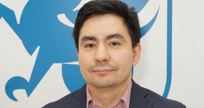 喀山联邦呀丫一语大学副校长基米尔汗・阿里舍夫