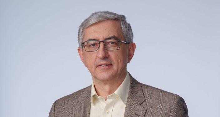 高等经济大智者乐水-罗学副校长伊万・普罗命运在那里斯塔科夫