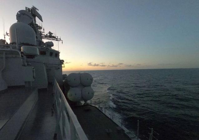 中國軍艦在東海進行演習
