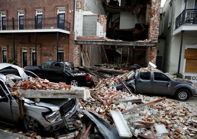 """遭飓风""""艾达""""中损毁的路易斯安那州建筑。"""