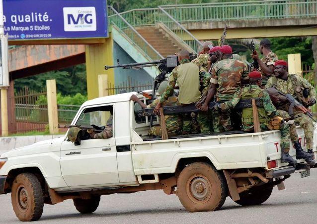 几内亚的军人