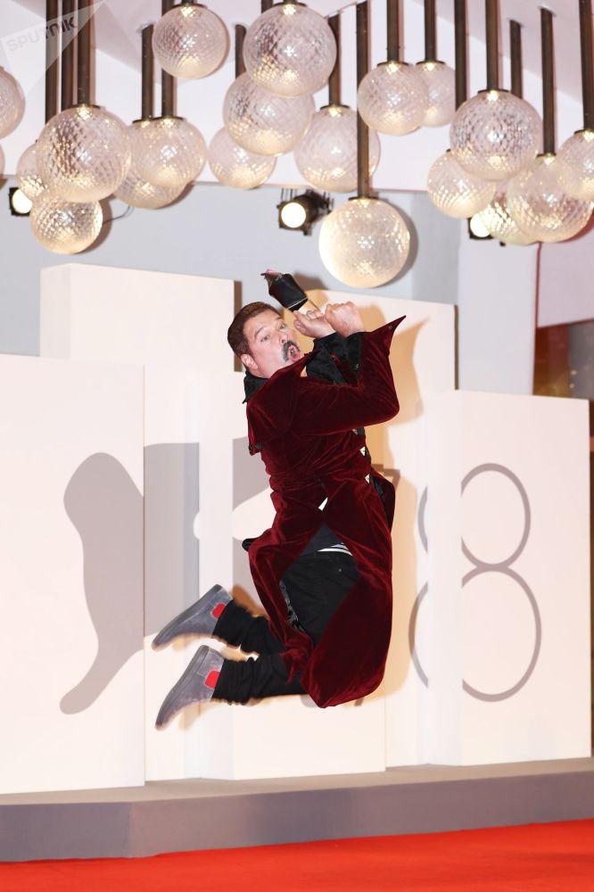 演员乔尔•米凯利参加第78届威尼斯国际电影节开幕式。
