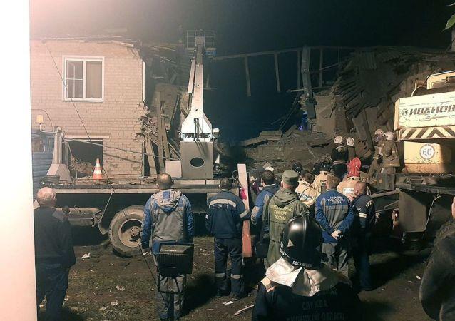 约260人正在利佩茨克州住宅楼燃气爆炸现场工作