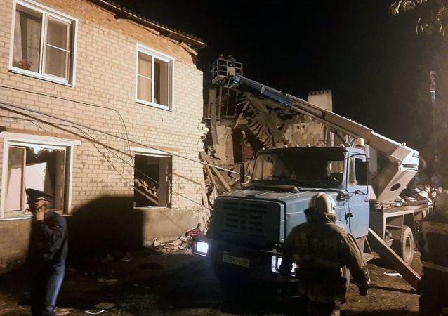 俄侦委证实利佩茨克州叶列茨区居民楼燃气爆炸现场发现第三名遇难者