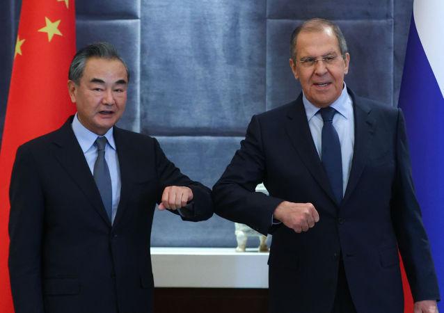 王毅:中方赞赏俄方反对将病毒溯源和人权问题政治化