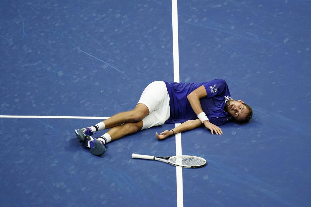 在美网公开赛男单决赛上战胜塞尔维亚选手诺瓦克·德约科维奇的俄罗斯网球名将丹尼尔·梅德韦杰夫