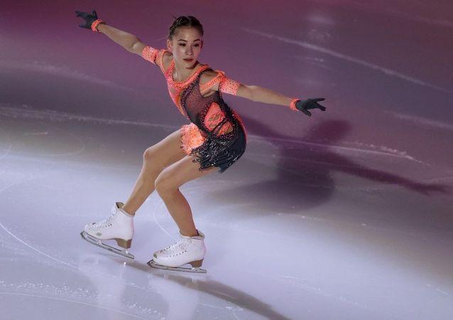 俄罗斯青少年花样滑冰卫冕冠军索菲娅•阿卡季耶娃