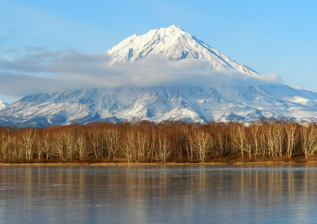 卡雷姆火山噴發後火山灰可能落入堪察加的兩個村鎮內