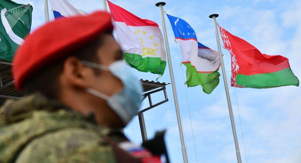 俄中部军区司令:上合演习表明各国已准备好击退阿富汗威胁