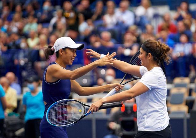 张帅搭档印度名将米尔扎取得WTA500俄斯特拉发公开赛女双决赛胜利