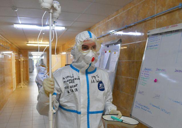 俄防疫指挥部:俄单日新增新冠病毒感染病例32 196例 累计超792.5万例