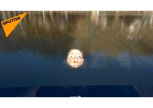 西班牙溺水女孩的雕塑象征什么?