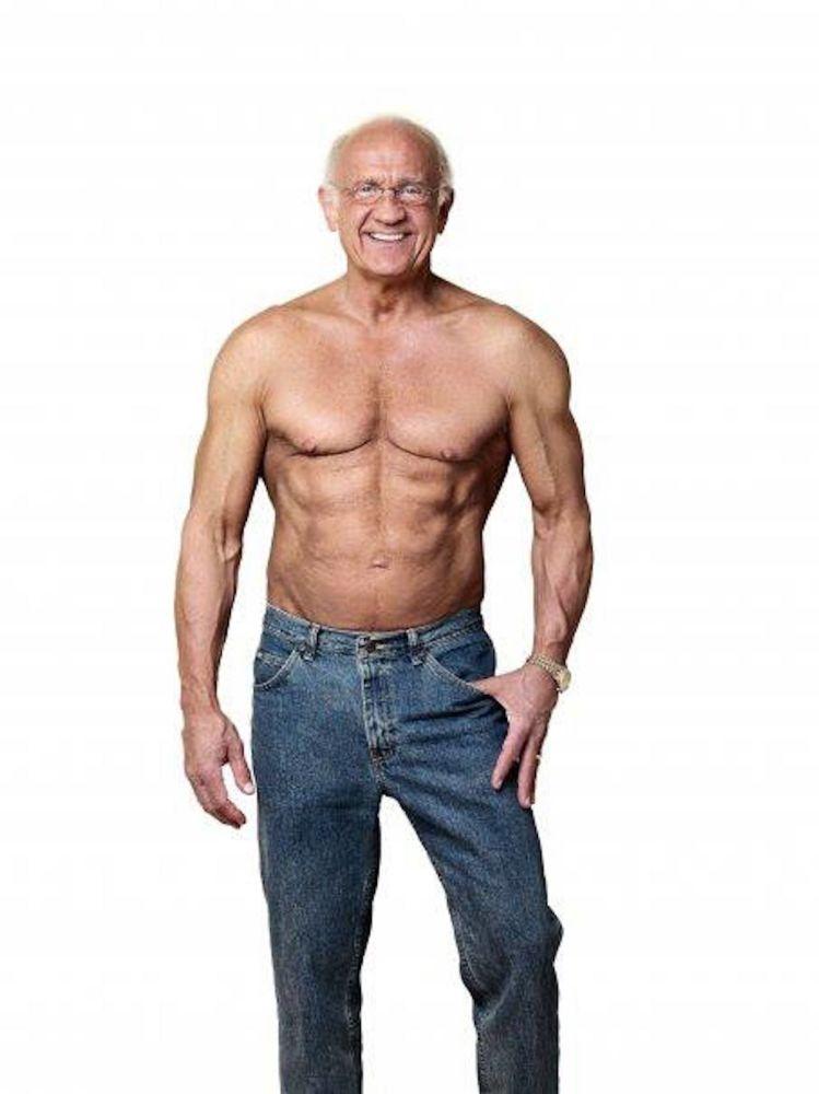 """杰弗里•莱夫59岁时,由于体重超标,甚至连鞋带都系不上。2012年,《Men's Fitness Magazine》(男性健身杂志)Life博士评选活动将他评为 """"年度25位最具运动能力的男性""""。"""