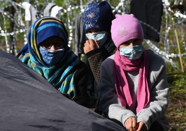 波蘭邊防軍稱昨日試圖從白俄非法入境的移民數量創新高