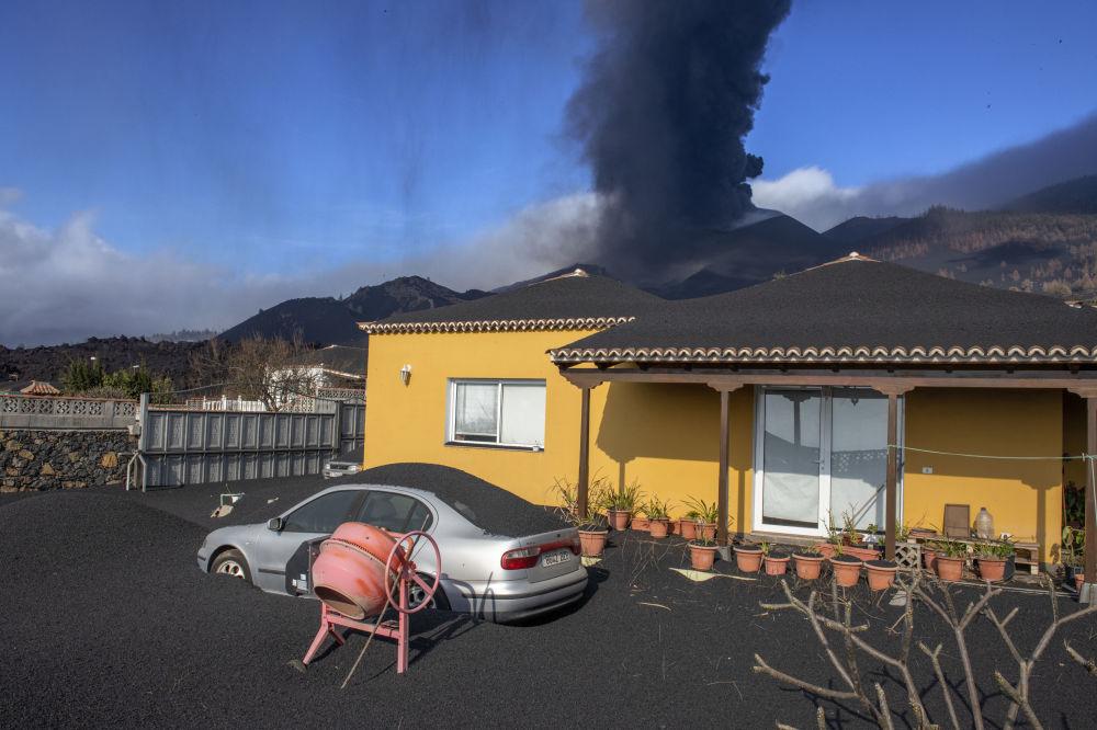 西班牙加那利群岛拉帕尔马岛的火山喷发。