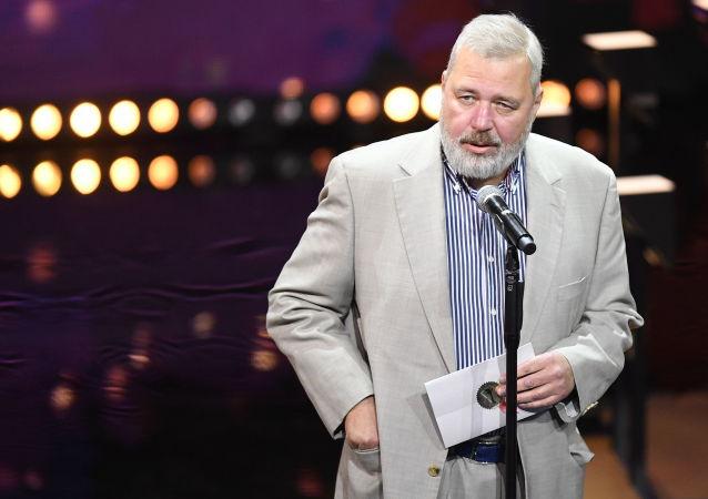 俄诺贝尔和平奖得主称该奖属于《新报》 会把部分奖金捐给慈善基金