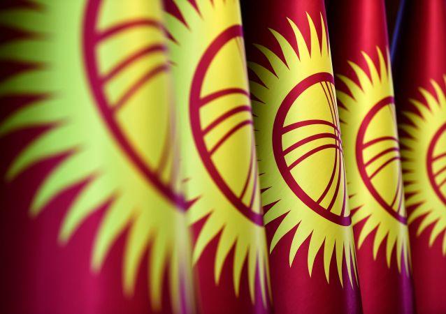吉尔吉斯斯坦总统已批准共和国内阁辞职