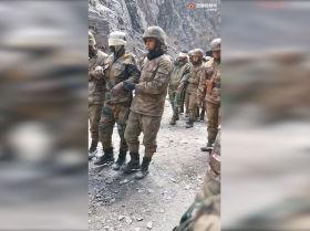 中国军队善待被俘虏的印度军人