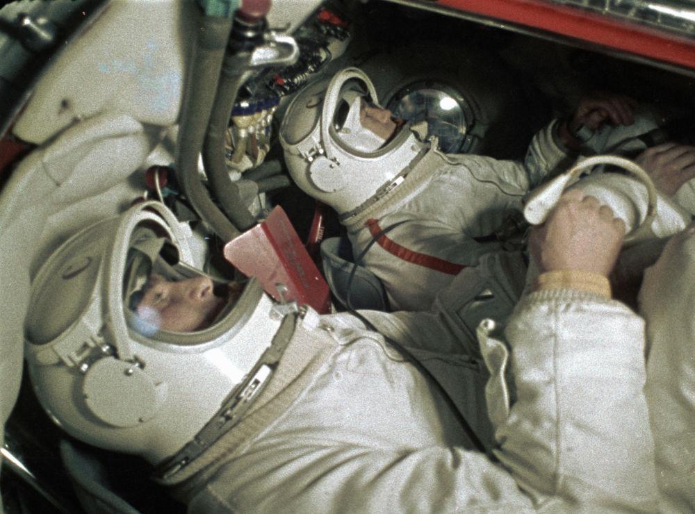 列昂諾夫與別利亞耶夫