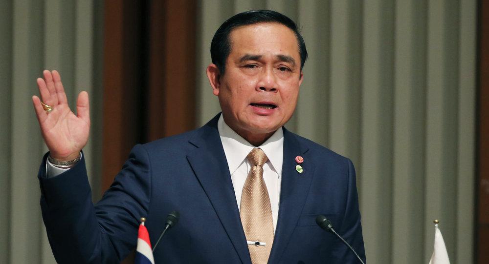 泰国总理请求国王取消戒严