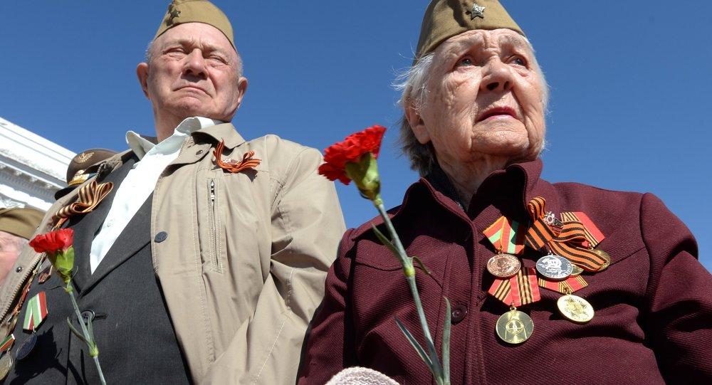 民调:半数俄国人认为胜利节阅兵让人想起功勋
