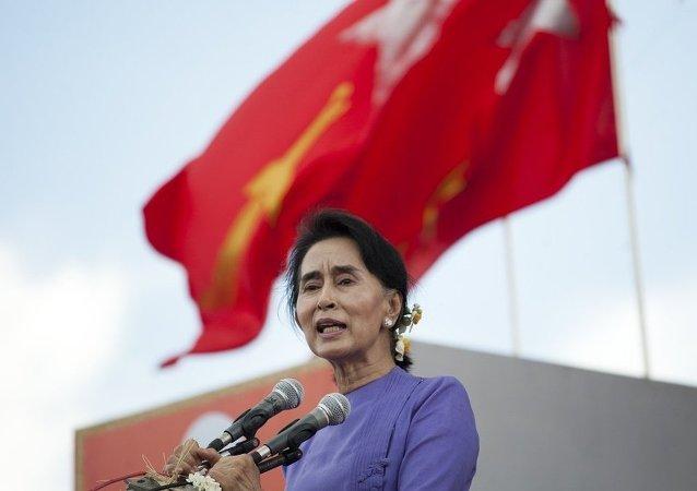 """缅甸反对派领导人欲在大选后""""高于总统"""""""