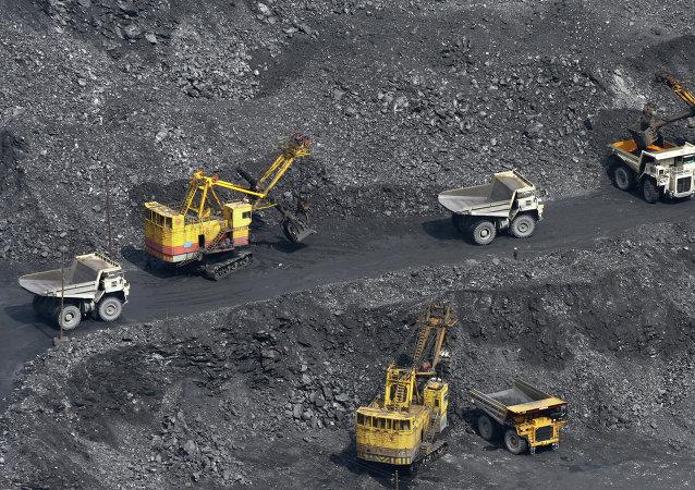 中国龙兴公司投资168亿卢布在图瓦建成的多金属选矿厂投入运营