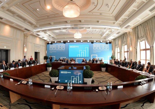 俄中组建工作组落实欧亚经济联盟和丝绸之路经济带对接