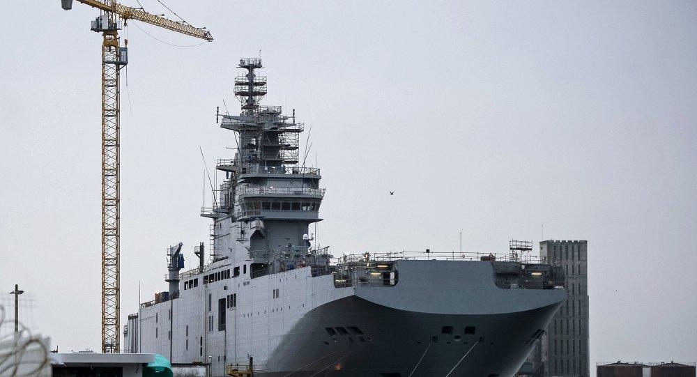 """俄法就""""西北风""""级航母通信系统退还问题磋商"""