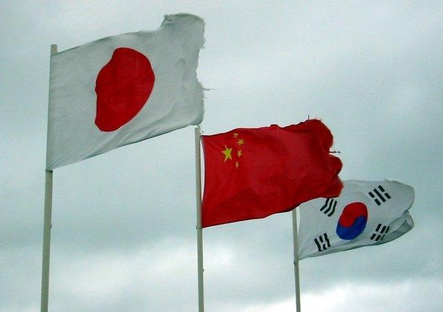 中国外交部:中国外长王毅将于24日出席中日韩第八次外长会
