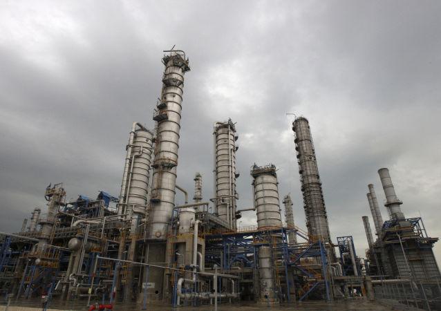 伊朗國家石油公司:俄中法企業有意參加伊朗的油田項目