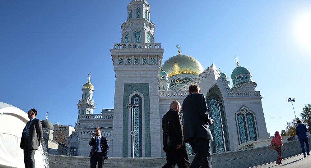 Открытие после реставрации главной мечети Москвы