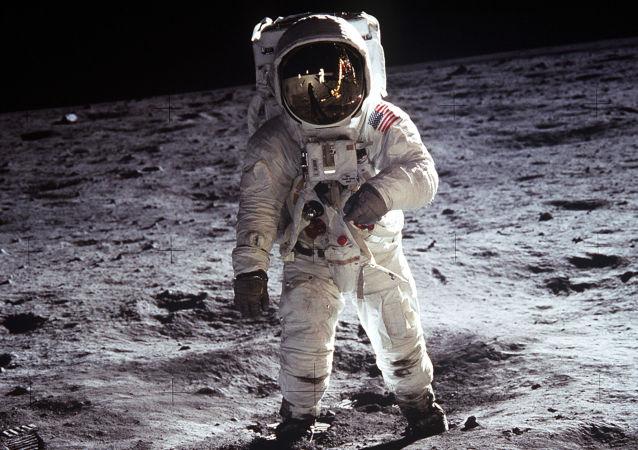 俄院士:若苏联当年接受美建议 两国宇航员就会一起登陆月球
