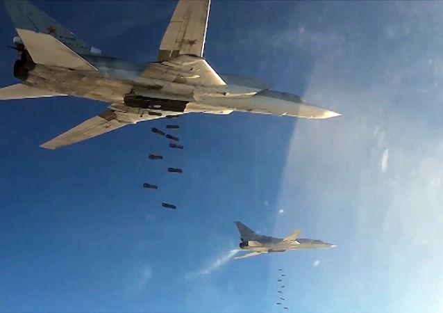 """""""伊斯兰国""""武装分子在俄军空袭后退出巴尔米拉"""