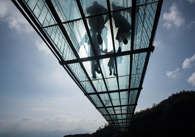 中国将建成世界上最长玻璃桥