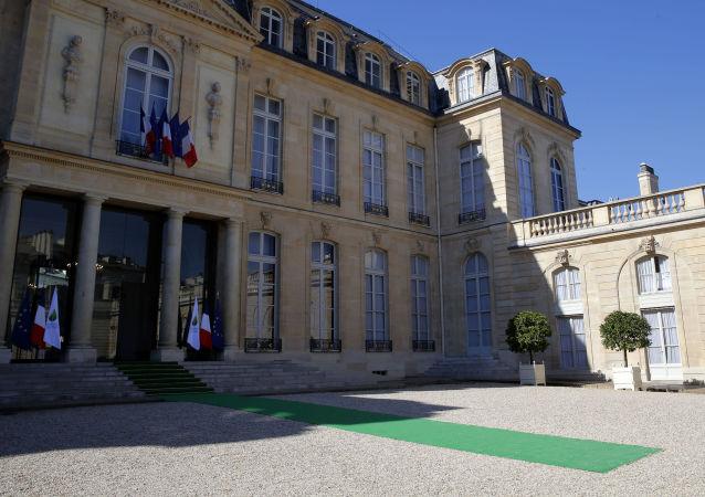 媒体:法国爱丽舍宫两名雇员收到恐吓信