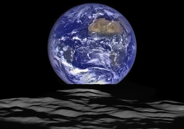 Вид Земли с орбиты Луны