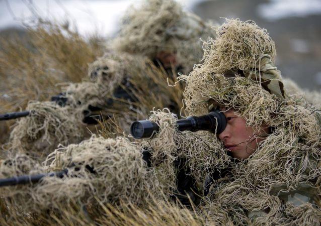 中国海军陆战队队员在接受训练/资料图片/