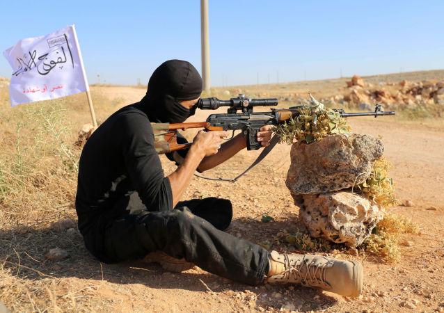 武裝分子在敘哈馬省和阿勒頗省的射擊造成敘軍3名軍人受傷 1人死亡
