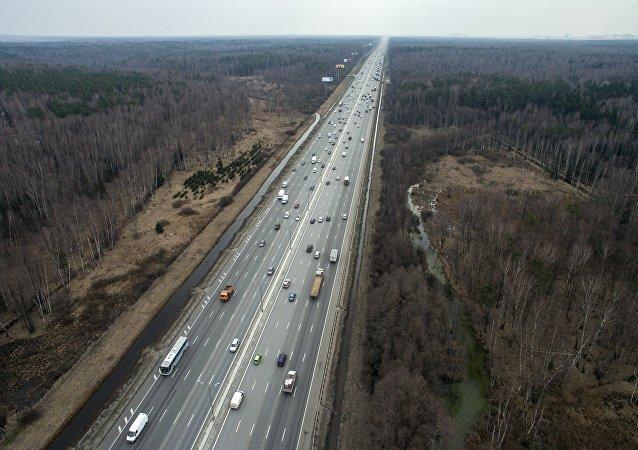 媒体:俄政府批准欧洲-中国西部交通走廊上的子午线公路项目