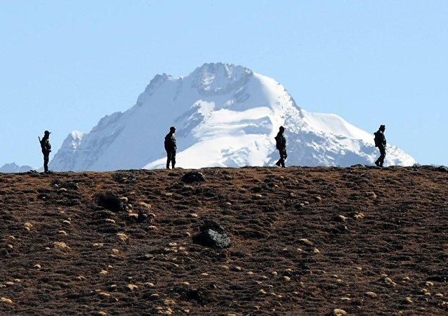 中国外交部:希望印方严格遵守两国协定 维护中印边境地区和平